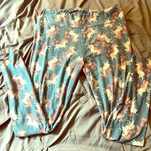 Lularoe unicorn T&c super soft leggings 🦄